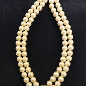Jewelry - Vintage Faux Pearl Choker Necklace